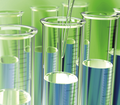 Reagenzgläser mit sauberer Flüssigkeit